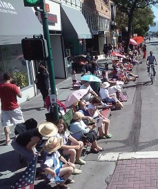 Bystanders waiting for the Alameda July 4 Parade