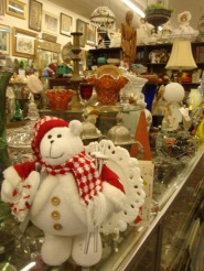 Paulines Antiques Alameda Holiday Open House