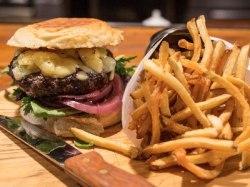 American Oak burger, Alameda