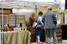 Downtown Alameda Park Street Art  Wine Faire Jewelry Vendor