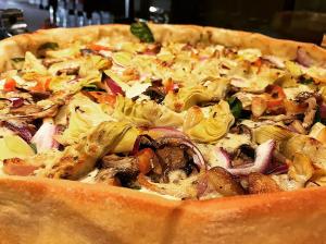 Bowzer's Pizza Alameda deep dish garden veggie pizza