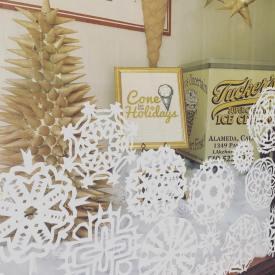 Tucker's Ice Cream Downtown Alameda Holiday Window Contest